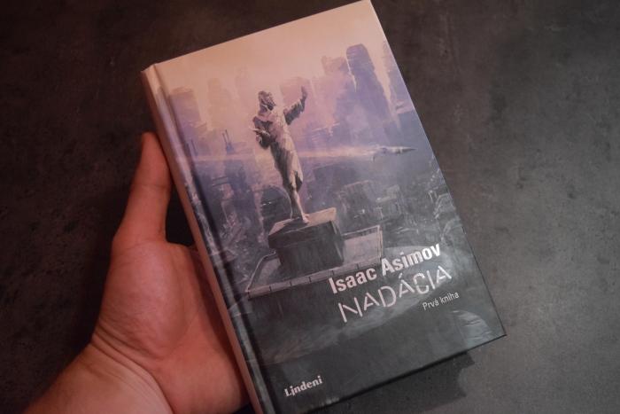 Isaac Asimov, Nadácia, prvá kniha v slovenčine