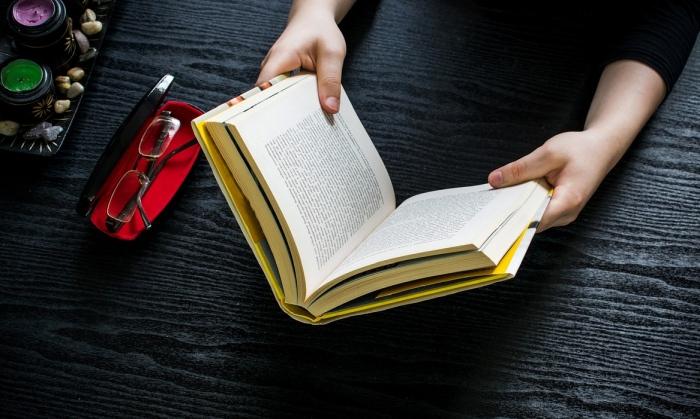 Knihy ilustrácia